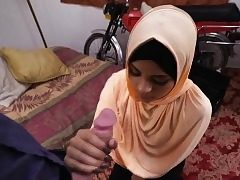 Teen arab slut blow a meaty cock like a pro