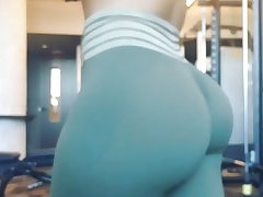 Culo jiggle in tights