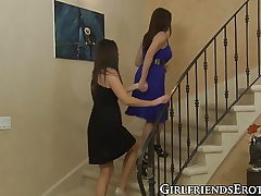 Sensual mature stunner India Summer polishes pussies gf