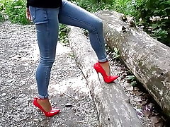 Extreme high-heeled slippers and jeans, my sexy legs,walk in the forest